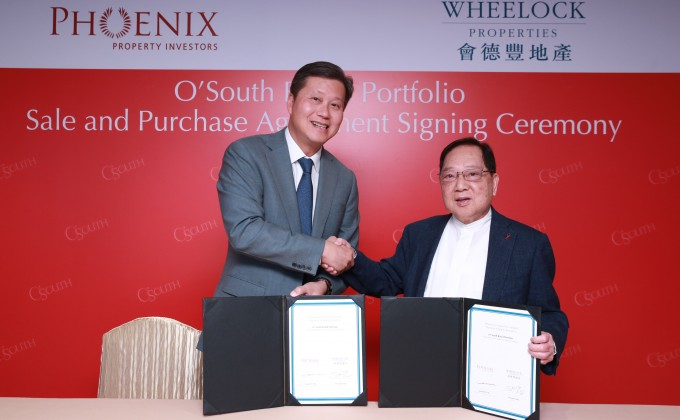 Mr. Samuel W. T. Chu, Managing Partner and Chief Investment Officer of Phoenix Property Investors (left) and Mr. Stewart C. K. Leung, Chairman of Wheelock Properties (right) signed the sale-and-purchase agreement for O'South Retail Portfolio.